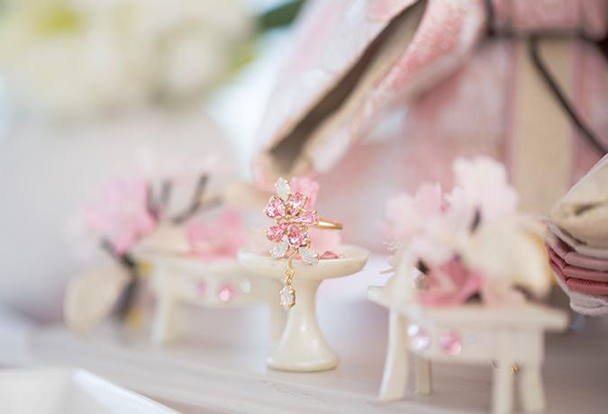 ピンクの指輪の画像